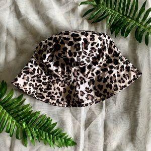 Jaclyn Smith Leopard Print Bucket Hat